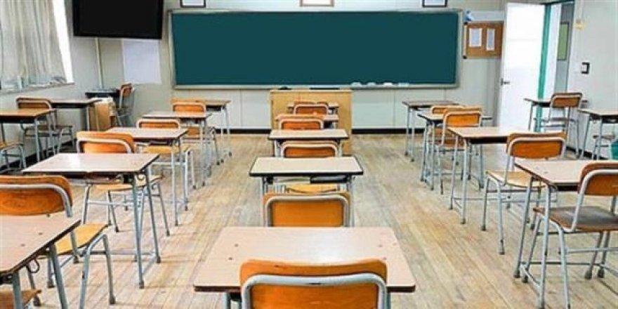 Öğretmenlerde korona çıktı, ilçede 6 okulda eğitime ara verildi
