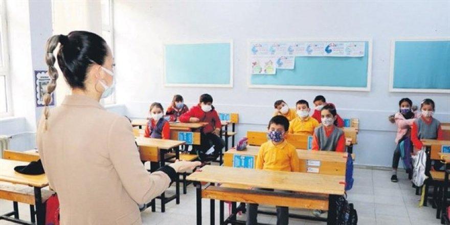 İlkokul öğretmenleri için aşı randevuları açıldı