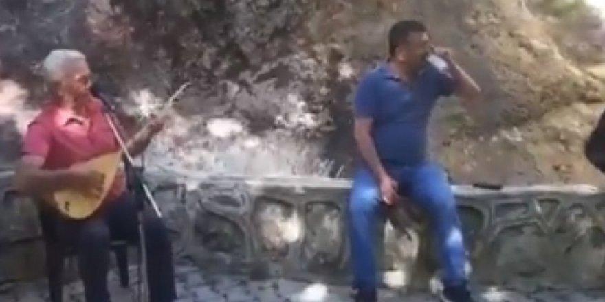 CHP'li Veli Ağbaba, sokağa çıkma yasağında alem yaptı