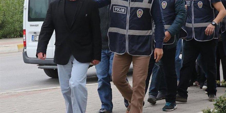 2'si muvazzaf 33 askeri personle FETÖ'den gözaltı kararı