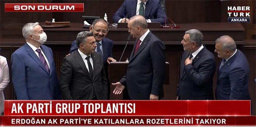 İki belediye başkanı Ak Parti'ye katıldı
