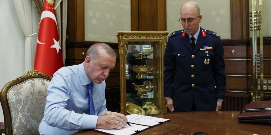YAŞ kararları açıklandı: 30 general ve amiral emekli edildi