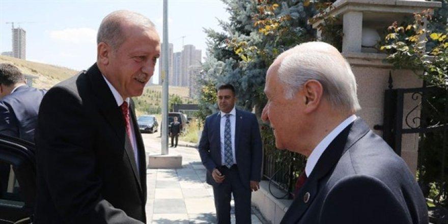 Cumhurbaşkanı Erdoğan, Bahçeli'yi evinde ziyaret ediyor