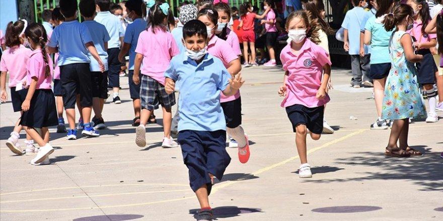 Bakan Özer, ilk haftada karantinaya alınan sınıf sayısını açıkladı