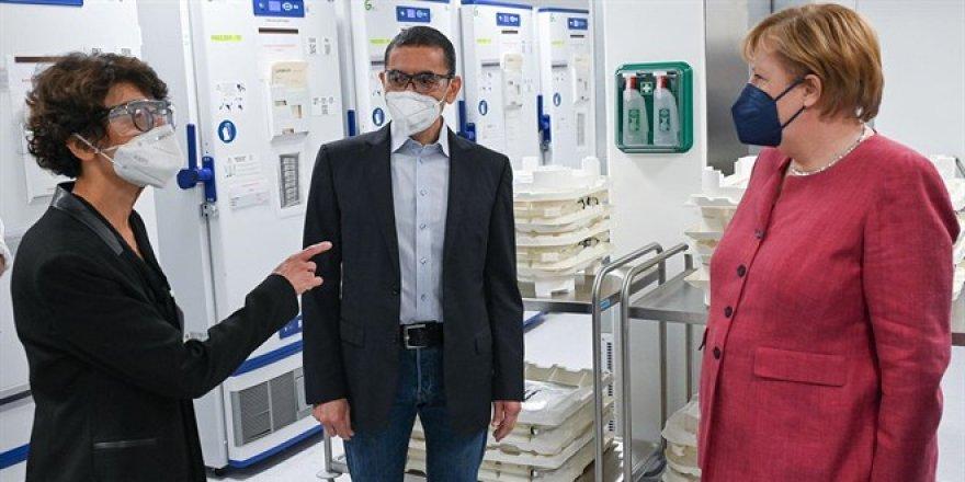 Prof. Uğur Şahin: Aşı geliştirdik fakat Covid-19'dan halen korkuyoruz