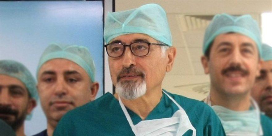 ABD'den dönen dünyaca ünlü cerrah, Ege Üniversitesi kadrosuna katıldı