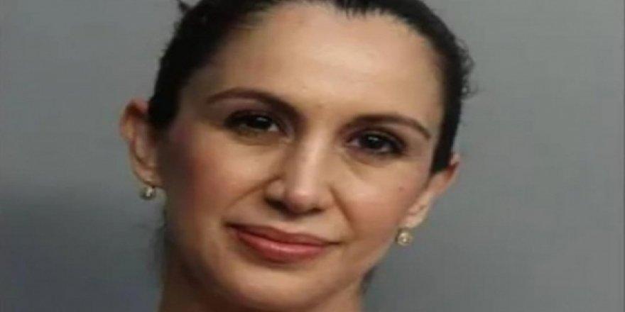 15 yaşındaki öğrencisiyle ilişkiye giren hamile öğretmen tutuklandı