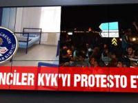 Öğrenciler yol kapatarak KYK'yı protesto etti!