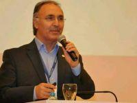 Ahmet Özer: Maddeden manaya yürümek