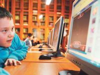 Öğretmen, Öğrencisinin Sanal Arkadaşı Olmalı