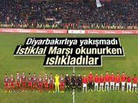 Diyarbakır'da İstiklal Marşı ıslıklandı