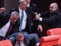 Meclis'te kavga çıktı: 4 vekil yaralı