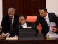 Meclis'te gergin anlar Partiler uzlaşamadı