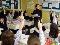 Ücretli öğretmenler hangi derslere giremez?