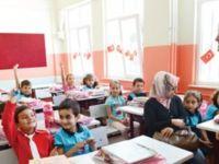 Aday öğretmenler kaç saat okulda bulunacak?