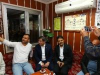 Davutoğlu'ndan Taksi Duraklarına Sürpriz Ziyaret