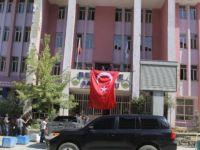 Kayyum Geldi, Türk Bayrağı Asıldı