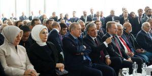 Erdoğan'dan Abdullah Gül'e Övgü Dolu Sözler