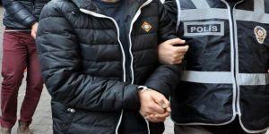 İzmir'de ihraç edilen 3 öğretmen FETÖ'den tutuklandı