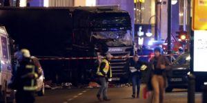 Berlin'de TIR Noel pazarına girdi, en az 9 ölü
