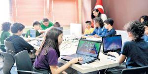 Beştepe Ortaokulu Öğrencileri Otizmli Çocuklar İçin Oyun Ürettiler