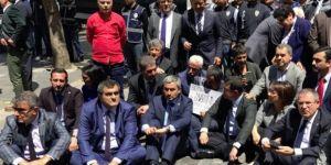 CHP'li Vekillerden KHK İhraçları İçin Oturma Eylemi