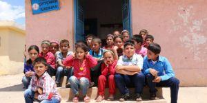 PKK'nın şehit ettiği öğretmenin köyünde hüzün