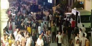 Taksim'de insan seli