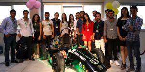 Adana'da mühendislik öğrencileri elektrikli araba üretti