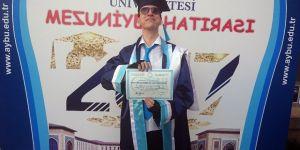 Asperger sendromlu ilk üniversite mezunu