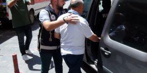 Eski rektöre FETÖ'den tutuklama