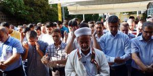 Şehit öğretmen için gıyabi cenaze namazı kılındı