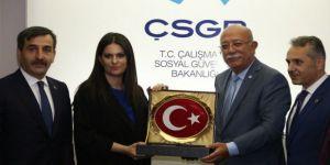 Çalışma Bakanı Sarıeroğlu: Türkiye Kamu-Sen'in Desteği Bizim İçin Önemli