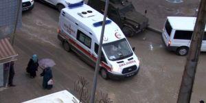 Polis noktasına yıldırım düştü: 3 yaralı
