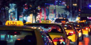 İhraç edilen eski Vali, Ankara'da taksiciliğe başladı