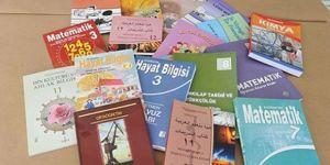 MEB, 518 Ders Kitabını Toplatıp Baştan Yazacak!