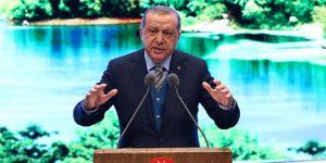 Erdoğan, sahneye getirdiği cami maketiyle uyardı