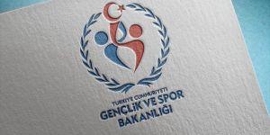 Bakanlıktan gençlere destek: 135 bin kitap basıp dağıttı