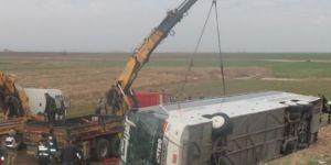 Yolcu otobüsü devrildi: 9 ölü