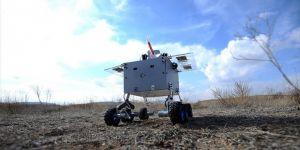 Üniversitelilerden 'Hava Savunma Robotu'