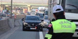 İstanbul Emniyet Müdürü, polisi değil müdürü savundu