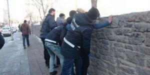 Polisin okul önlerindeki uygulaması memnuniyetle karşılanıyor