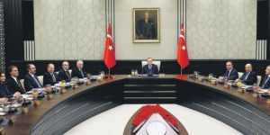 İki başkan yardımcısı 20 bakan düzenlemesi