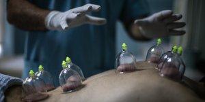 Cerrah eliyle 'hacamat' hastalara güven veriyor
