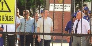 ABD'ye en iyi cevap Papazı yeniden tutuklamak