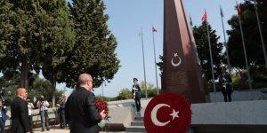 Cumhurbaşkanı Erdoğan'dan Azerbaycan'da şehitlik ziyareti