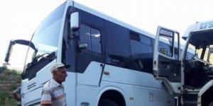 Kamyon ile öğrenci servisi çarpıştı: 3 yaralı