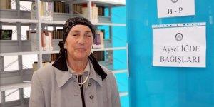 Emekli öğretmenden üniversite kütüphanesine kitap bağışı