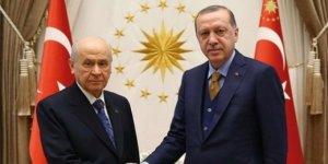 Erdoğan ile Bahçeli görüşmesi sona erdi! 6 ilin jest olarak...