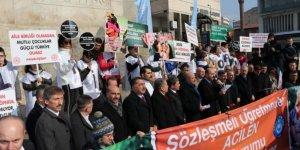 Türk Eğitim-Sen, Sözleşmeli Öğretmenlerle Eylem Yaptı